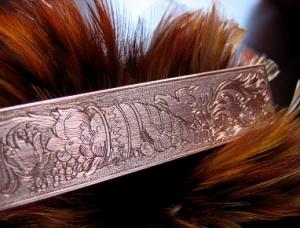 Flachstichmotiv mit Punzen mattiert