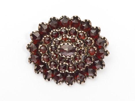 Broschen für Frauen - Costume Glamour Brosche Granat 925  - Onlineshop Goettgen